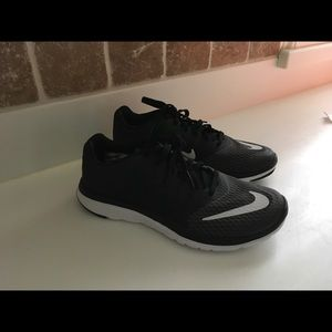Women's Nike FS Lite Run 3
